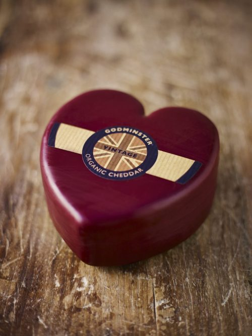 Godminster Heart-Shaped Vintage Ogranic Cheddar 400g