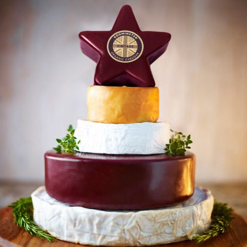 Godminster Celebration Cheese Cake with Star-Shaped Cheddar