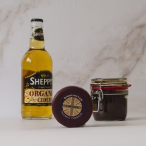 Godminster Cheddar, Cider and Chutney Gift Set