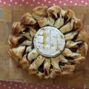 Godminster Baked Brie Wreath