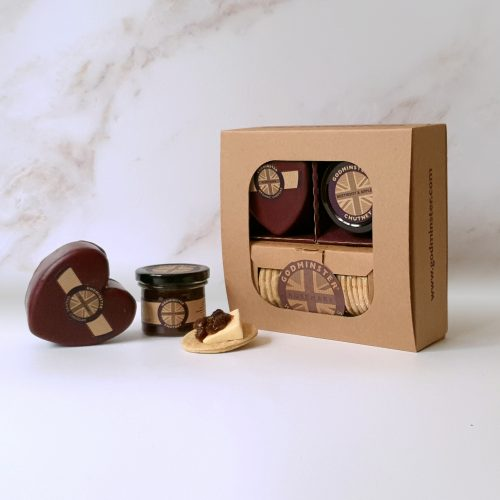 Godminster Cheddar & Chutney Signature Selection Gift Set Heart-Shaped