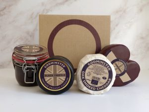 Cheese Board Gift Set - 2kg Box - Heart