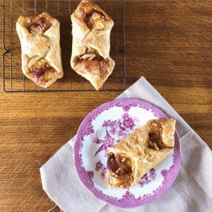 Godminster Vintage Organic Cheddar & Bacon Turnovers
