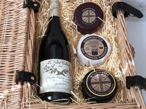 Classic Cheddar and Red Wine Hamper - Trio Edition