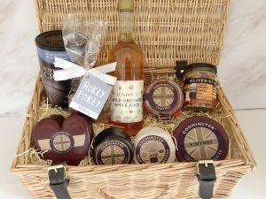 Ultimate Hamper with Apple Juice